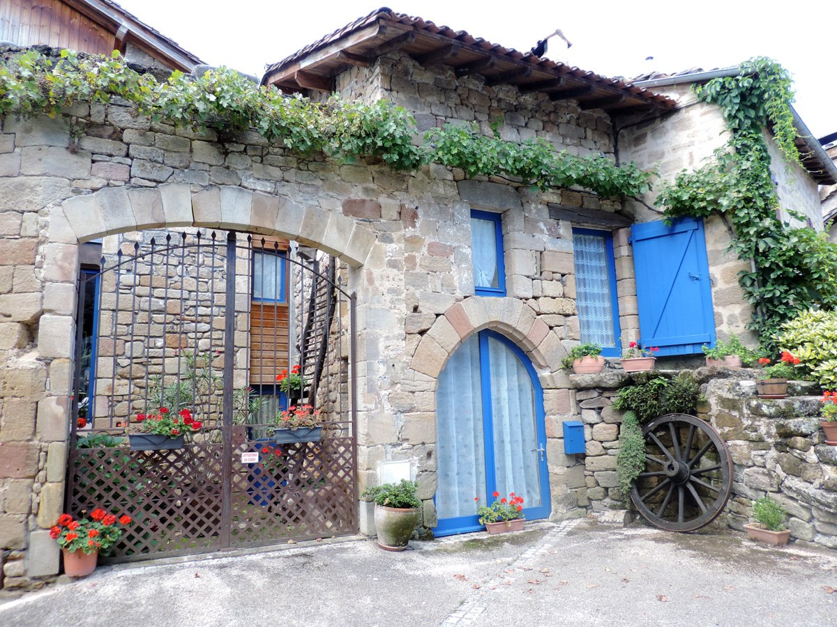 http://www.gite-ecologique-aveyron.com/wp-content/uploads/2015/03/5_3-gite-plus-beaux-villages-de-France-aveyron-11.jpg