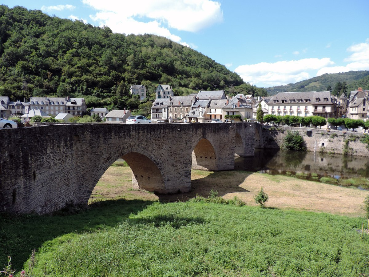 http://www.gite-ecologique-aveyron.com/wp-content/uploads/2015/03/5_3-gite-plus-beaux-villages-de-France-aveyron-18.jpg