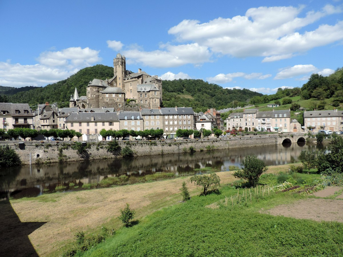 http://www.gite-ecologique-aveyron.com/wp-content/uploads/2015/03/5_3-gite-plus-beaux-villages-de-France-aveyron-19.jpg